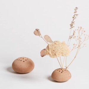 Boule en terre cuite pour fleurs séchées