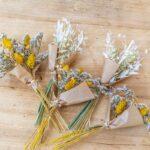 Petit bouquet champêtre de fleurs séchées